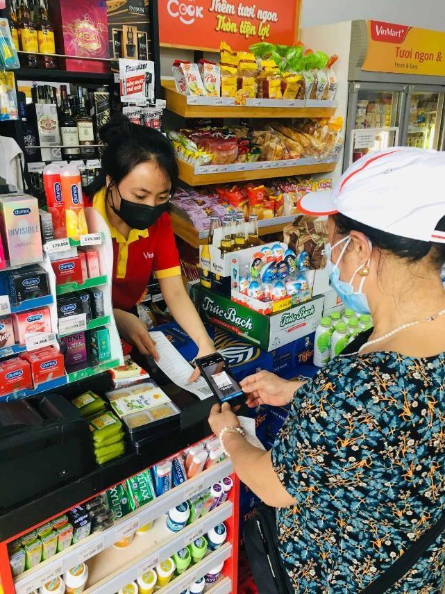 Khách hàng được VinMart/VinMart+ tặng bảo hiểm sức khỏe
